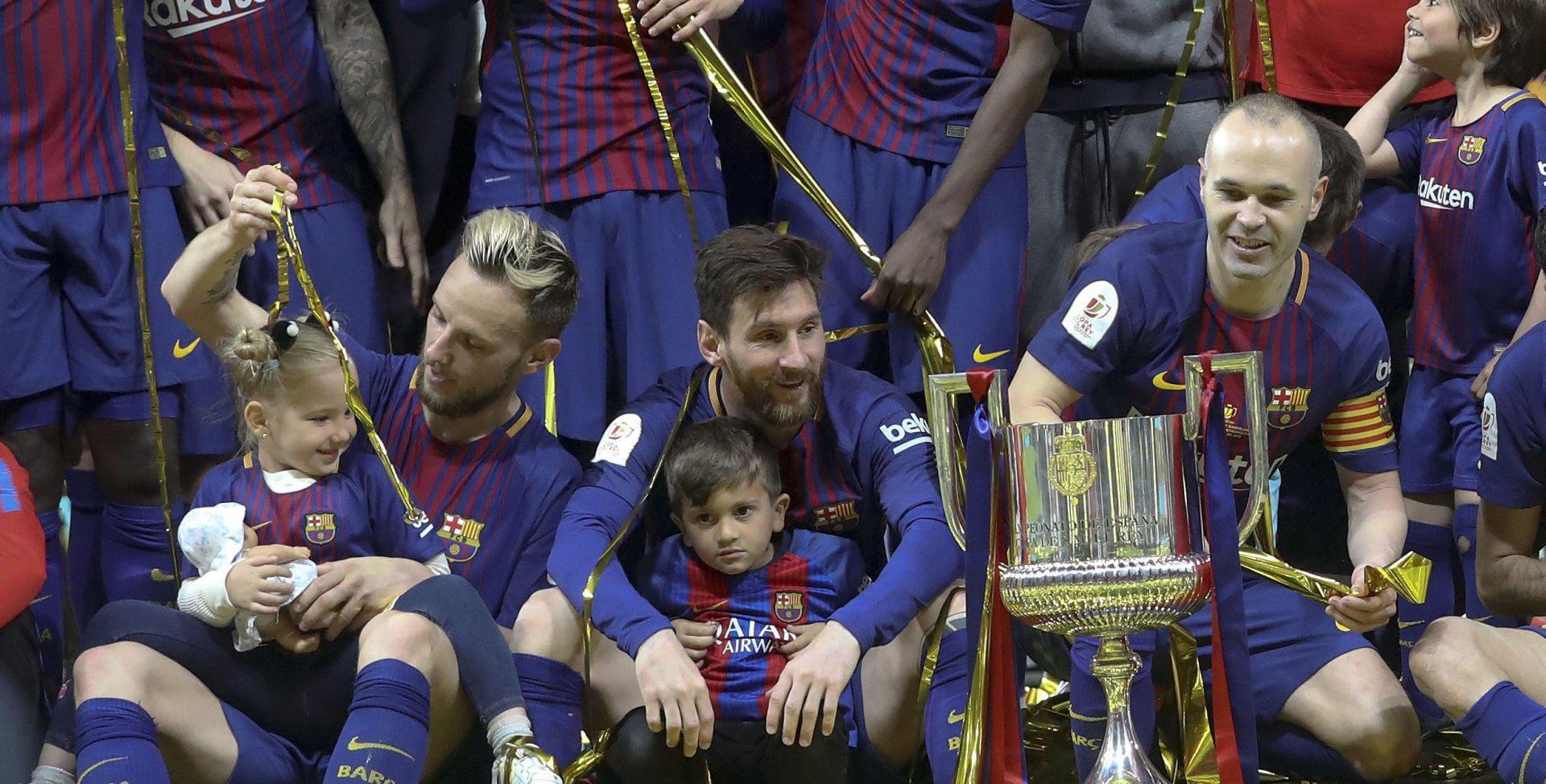 Messi hat-trick posvetio Iniesti