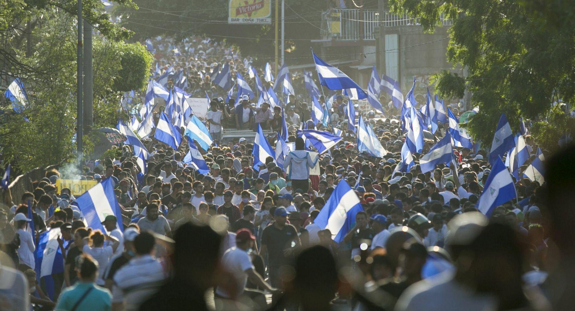 NIKARAGVA Deseci tisuća ljudi prosvjedovali protiv vlade