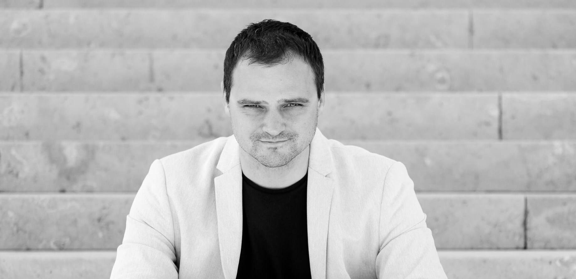 Zvijezda hrvatske književnosti Kristian Novak na Weekend Media Festivalu