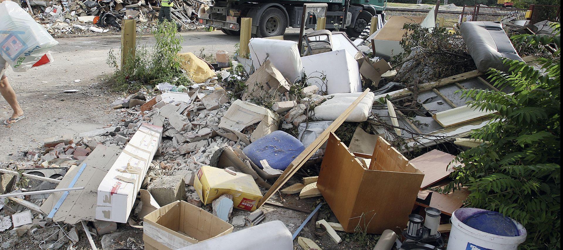 'Zbog više od tisuću ilegalnih odlagališta otpada RH će platiti milijune eura kazne'