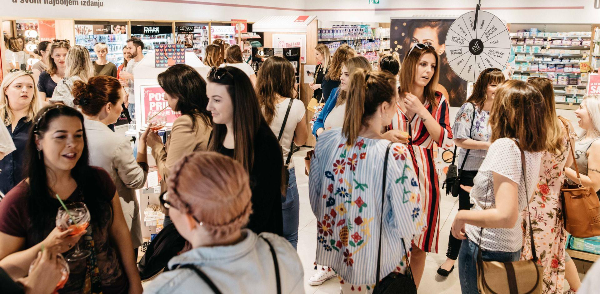 Sementa Rajhard, Lucija Lugomer, Ecija Ivušić i Lidija Lešić na predstavljanju branda e.l.f. Cosmetics