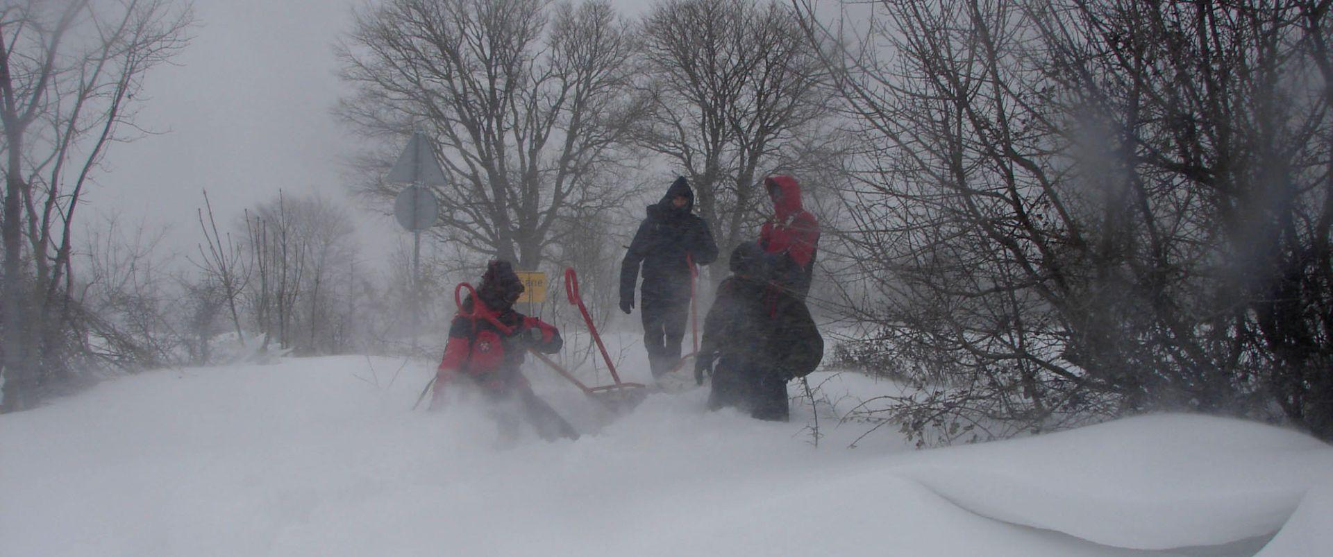 HGSS Makarske spasio 11 izletnika sa snježnog Biokova
