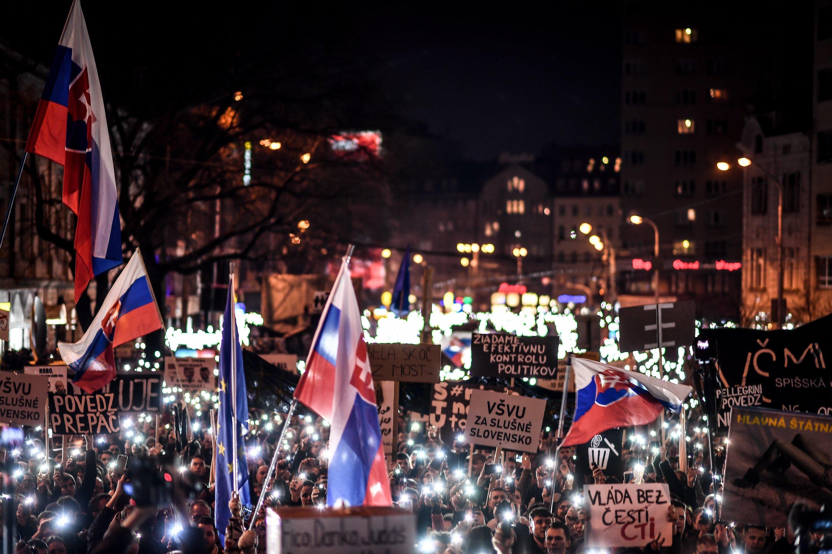 Slovaci ponovno na ulicama, traže nove ostavke