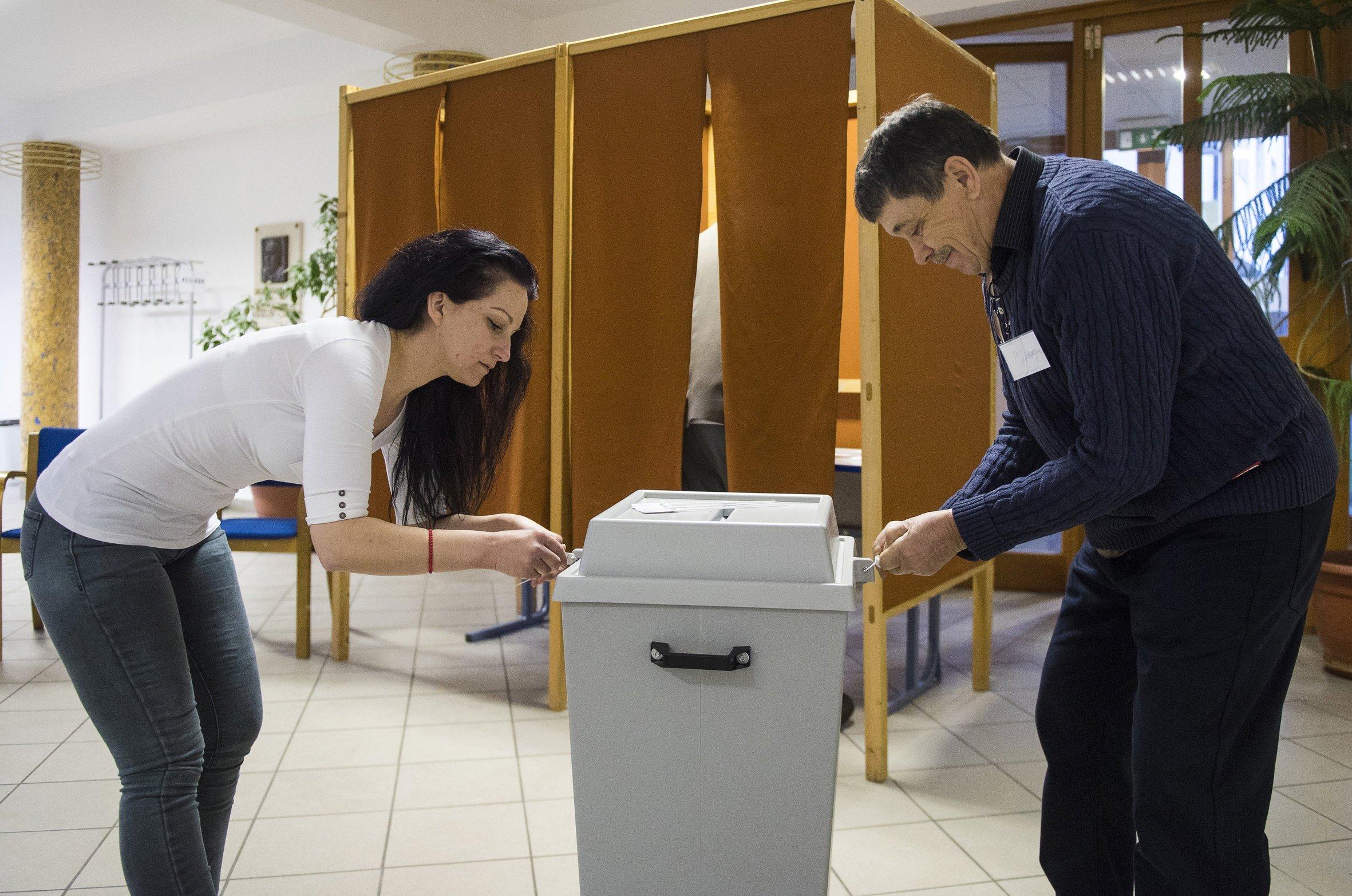 MAĐARSKA Otvorena birališta za parlamentarne izbore