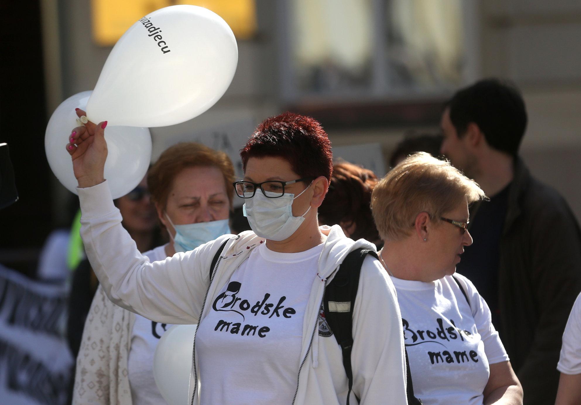 Brođani prosvjeduju u Zagrebu, primit će ih premijer