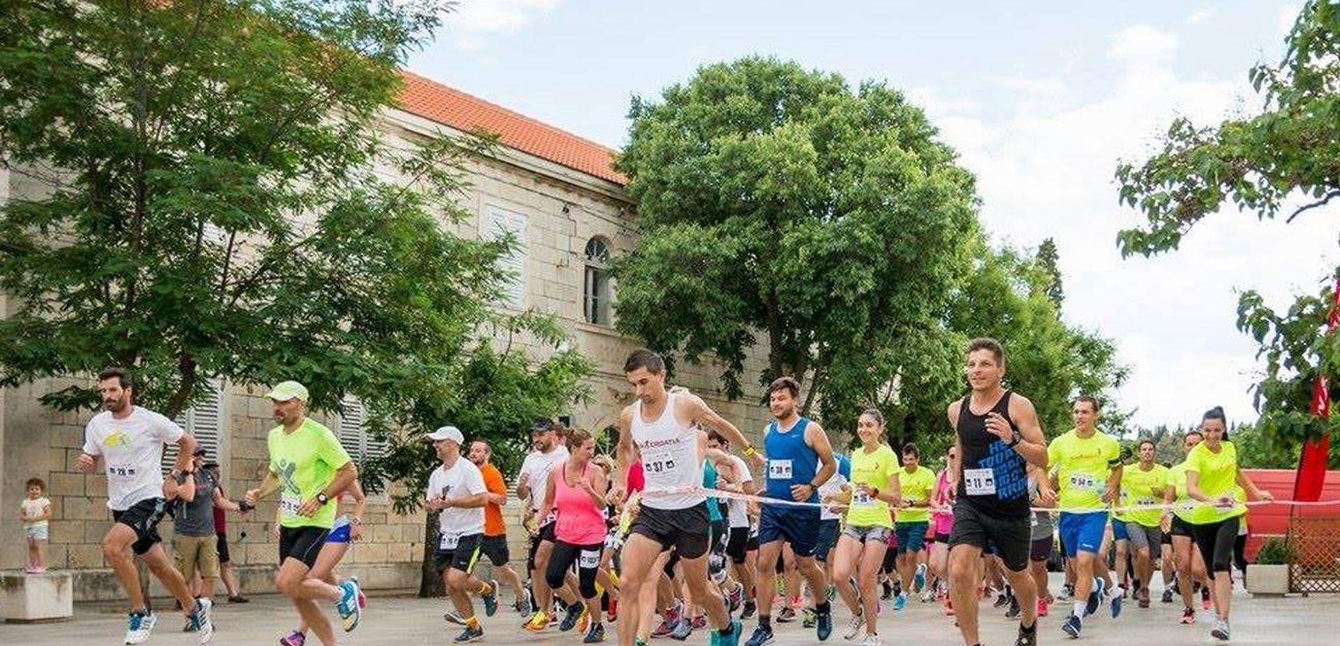 UŽITAK NA SVAKOM KILOMETRU Najljepša utrka na Jadranu trčat će se 22. lipnja od Selaca do Sumartina
