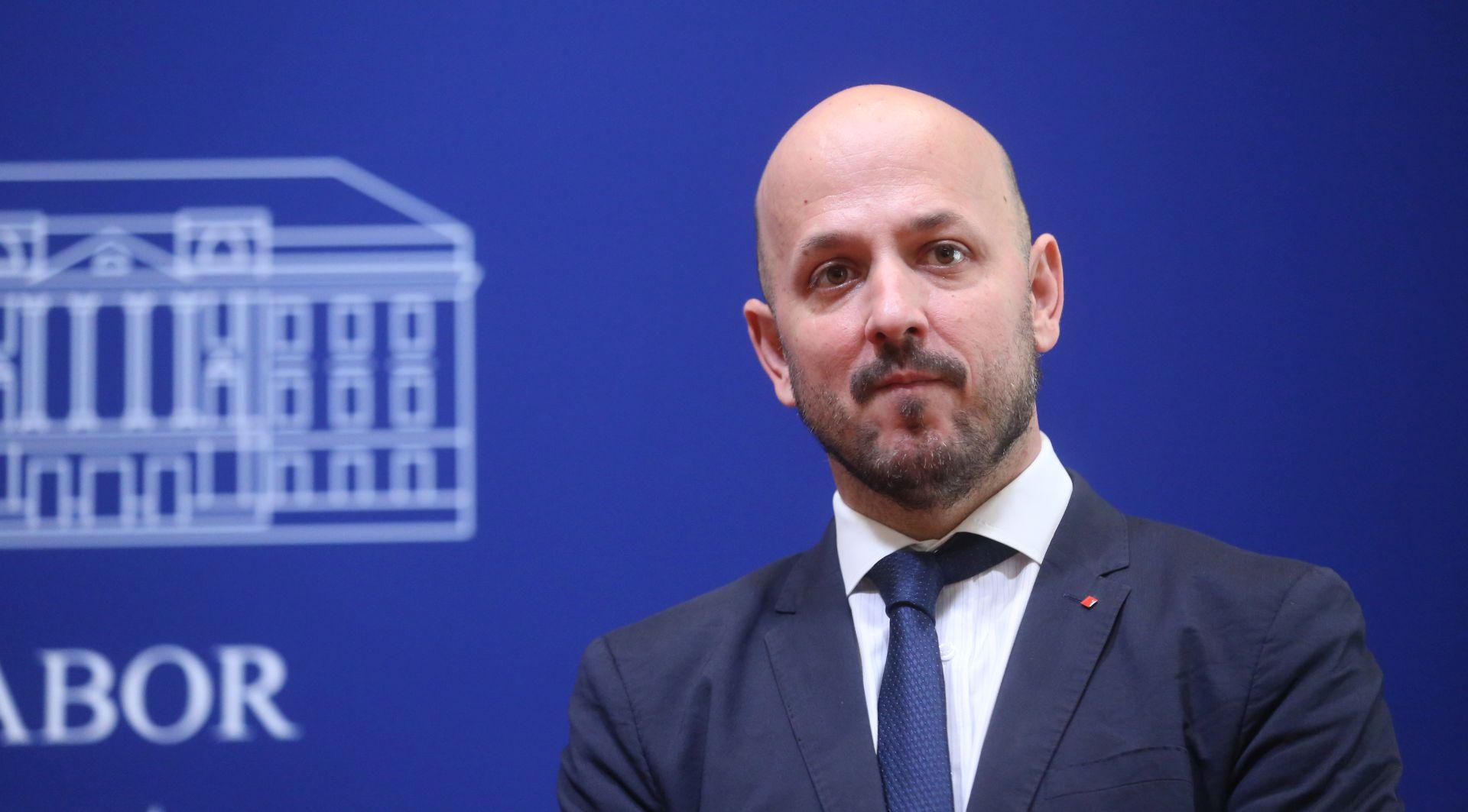 'NEDEMOKRATSKA LOGIKA' Maras podnosi ostavku u Klubu zastupnika SDP-a