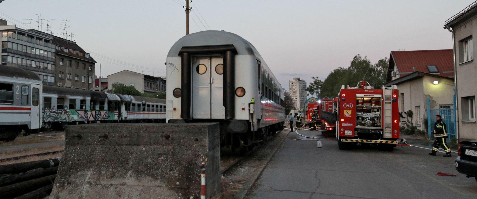 Ugašen požar dva vagona na zagrebačkom Glavnom kolodvoru