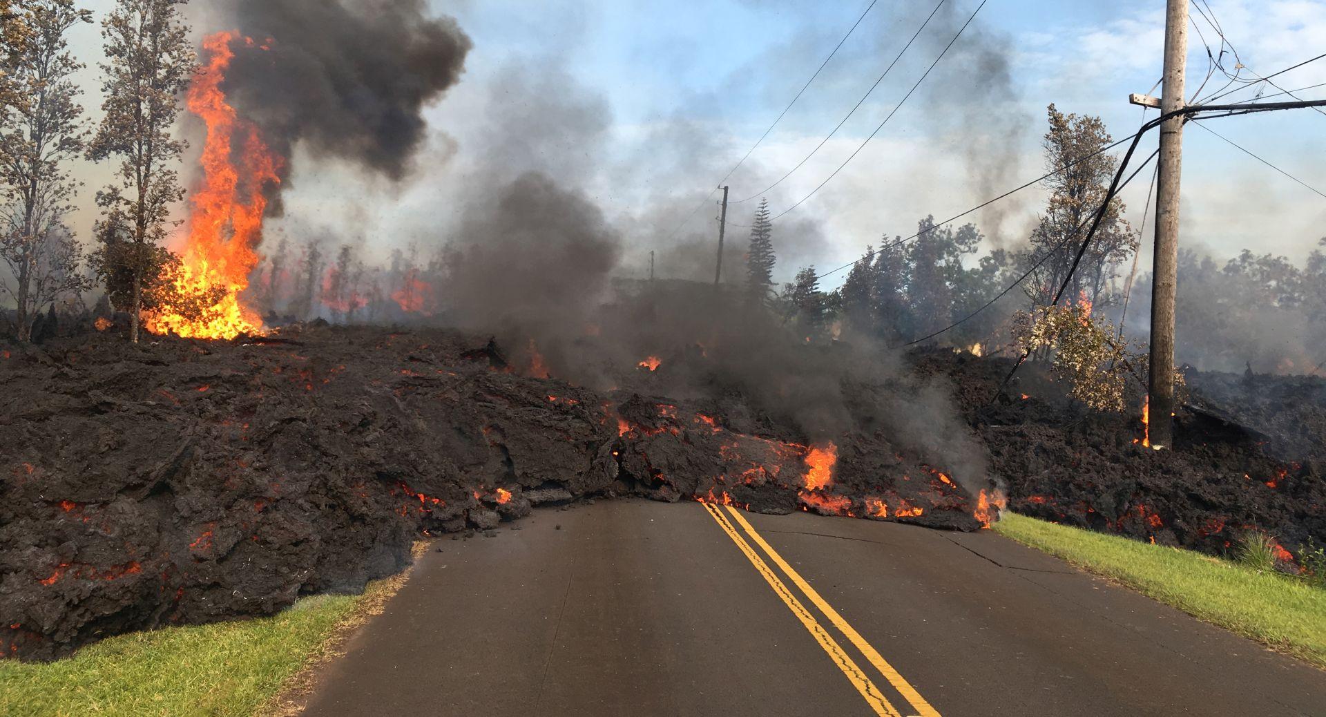Vulkanska erupcija na Havajima uništila 26 domova