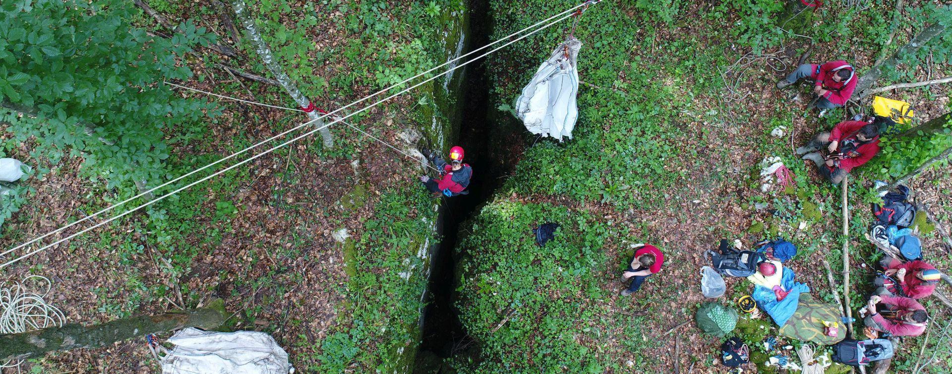 Speleolozi očistili kršku jamu od otpada