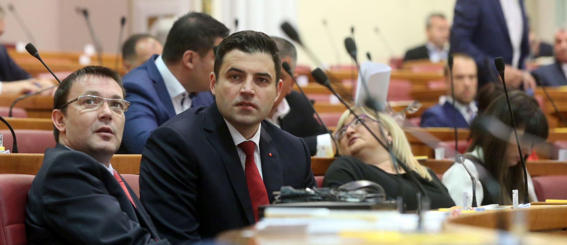 Hoće li Bernardić zamijeniti Bauka?