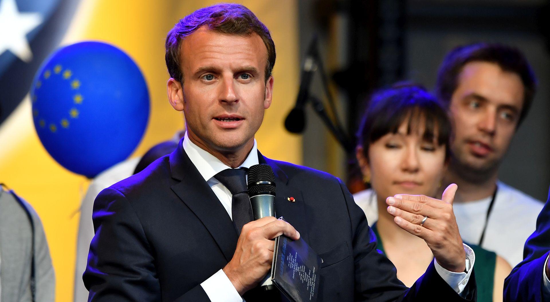Macron rekonstruira svoju oslabljenu vladu da ubrza reforme