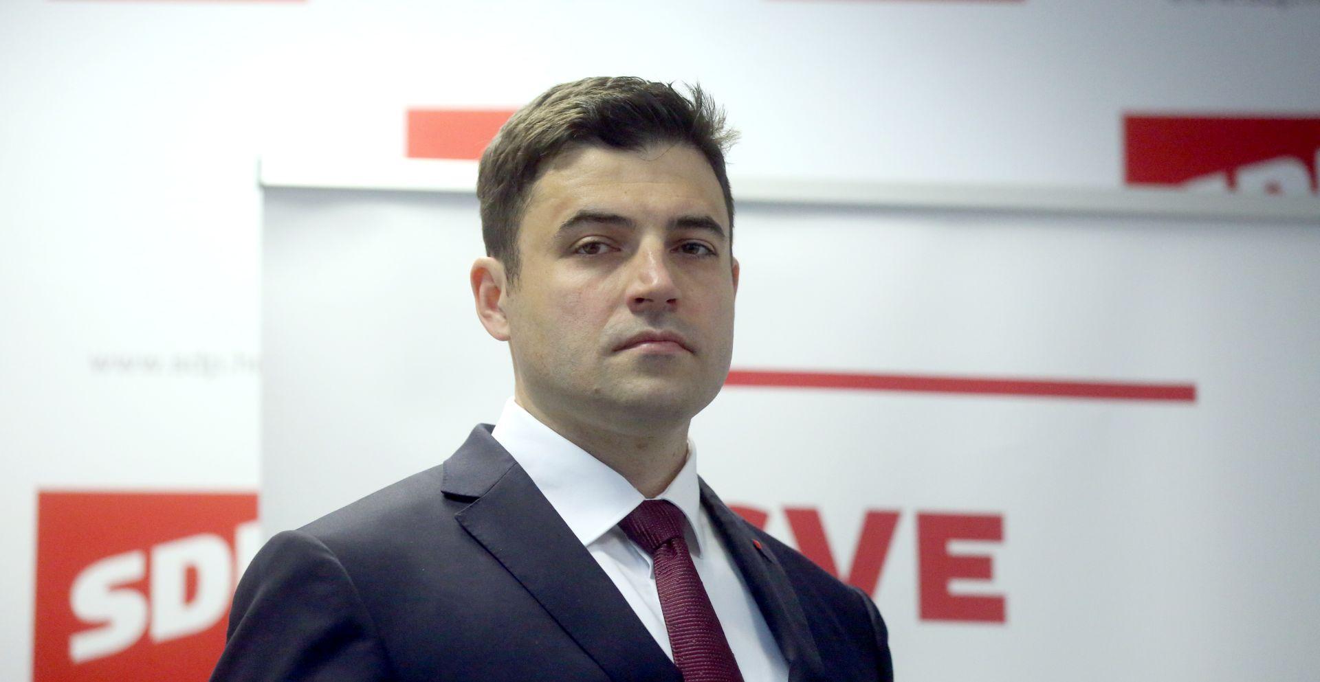 """Bernardić poručio """"rušiteljima SDP-a"""" da nemaju njegovu podršku"""