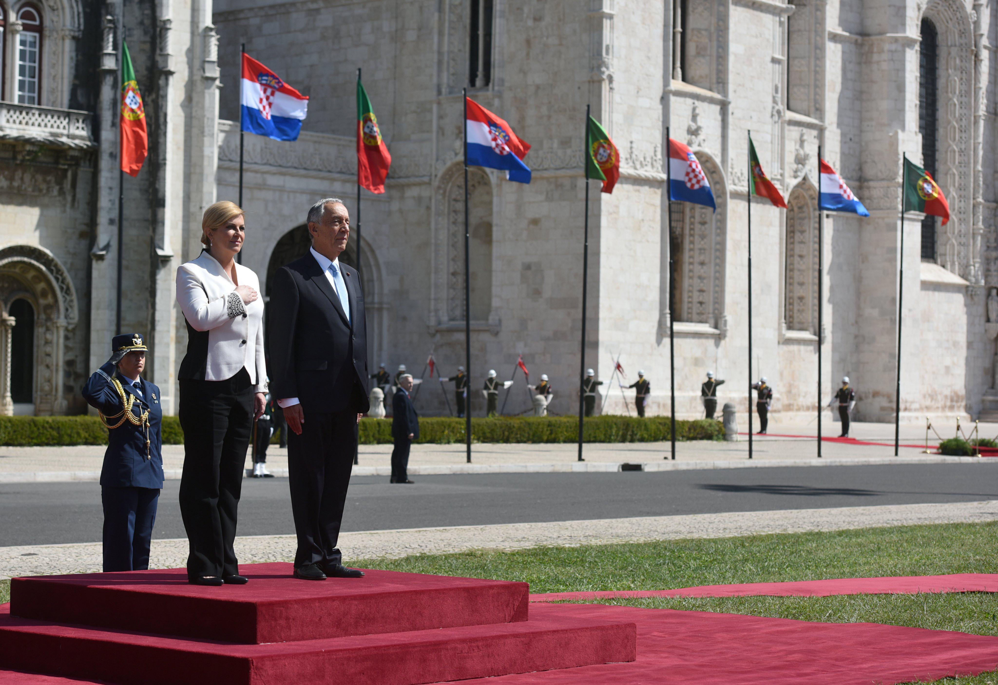 LISABON Predsjednica Grabar-Kitarović stigla u posjet Portugalu