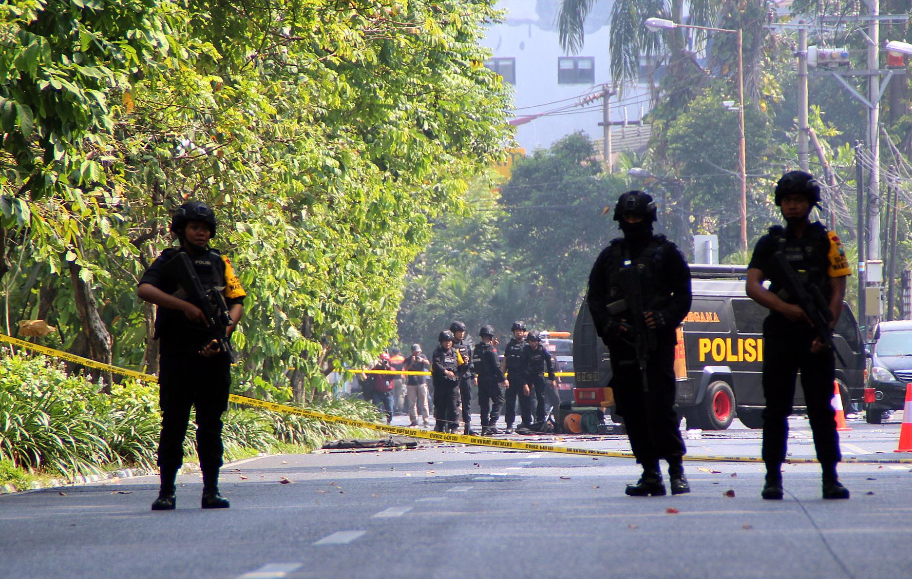 INDONEZIJA Šesteročlana obitelj samoubilačkih bombaša nadahnutih IS-om napala tri crkve