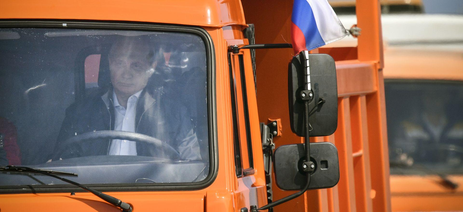 Putin u kamionu otvorio Krimski most