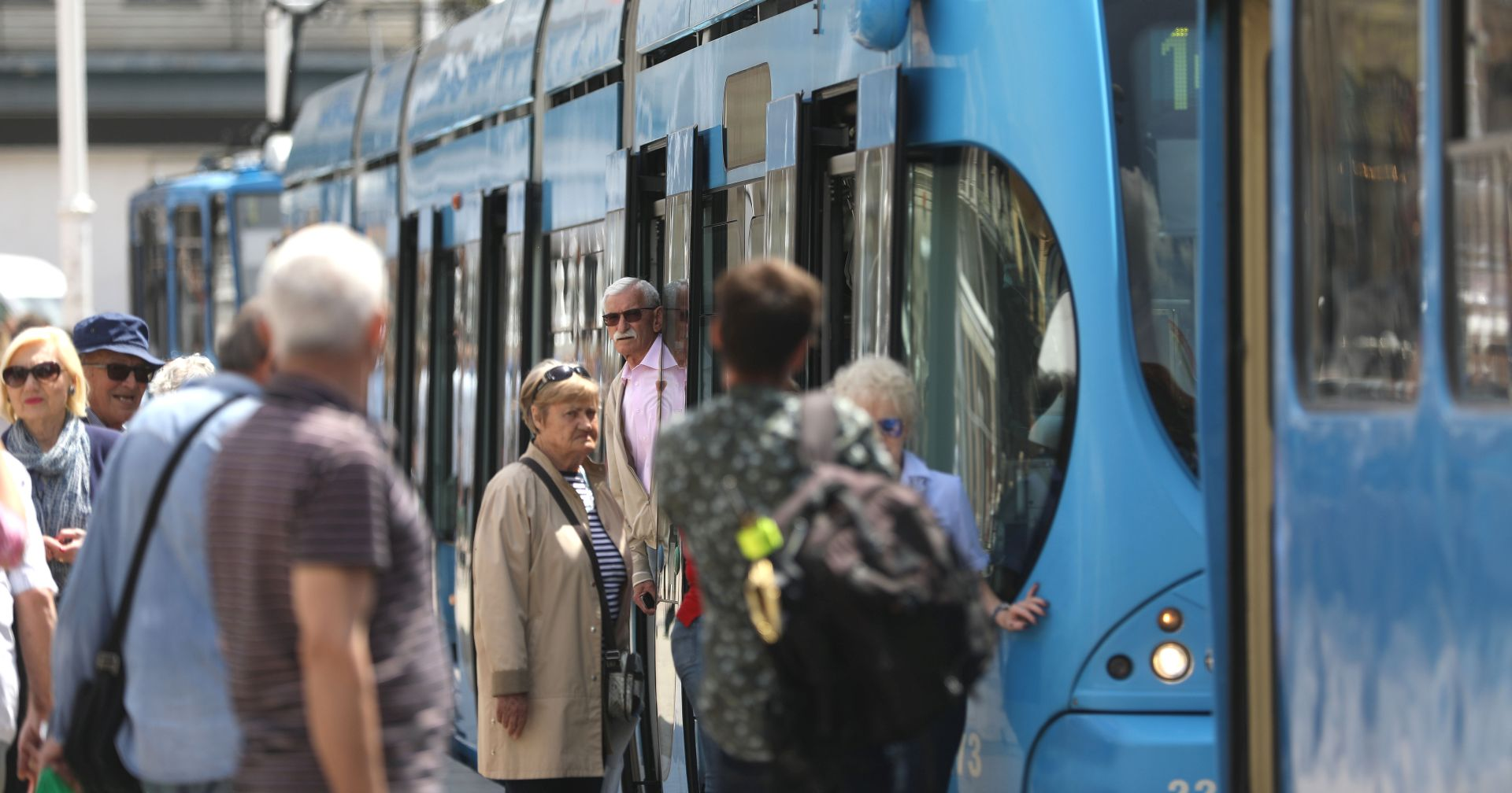U Zagrebu prosvjedno kratko zaustavljen javni gradski prijevoz