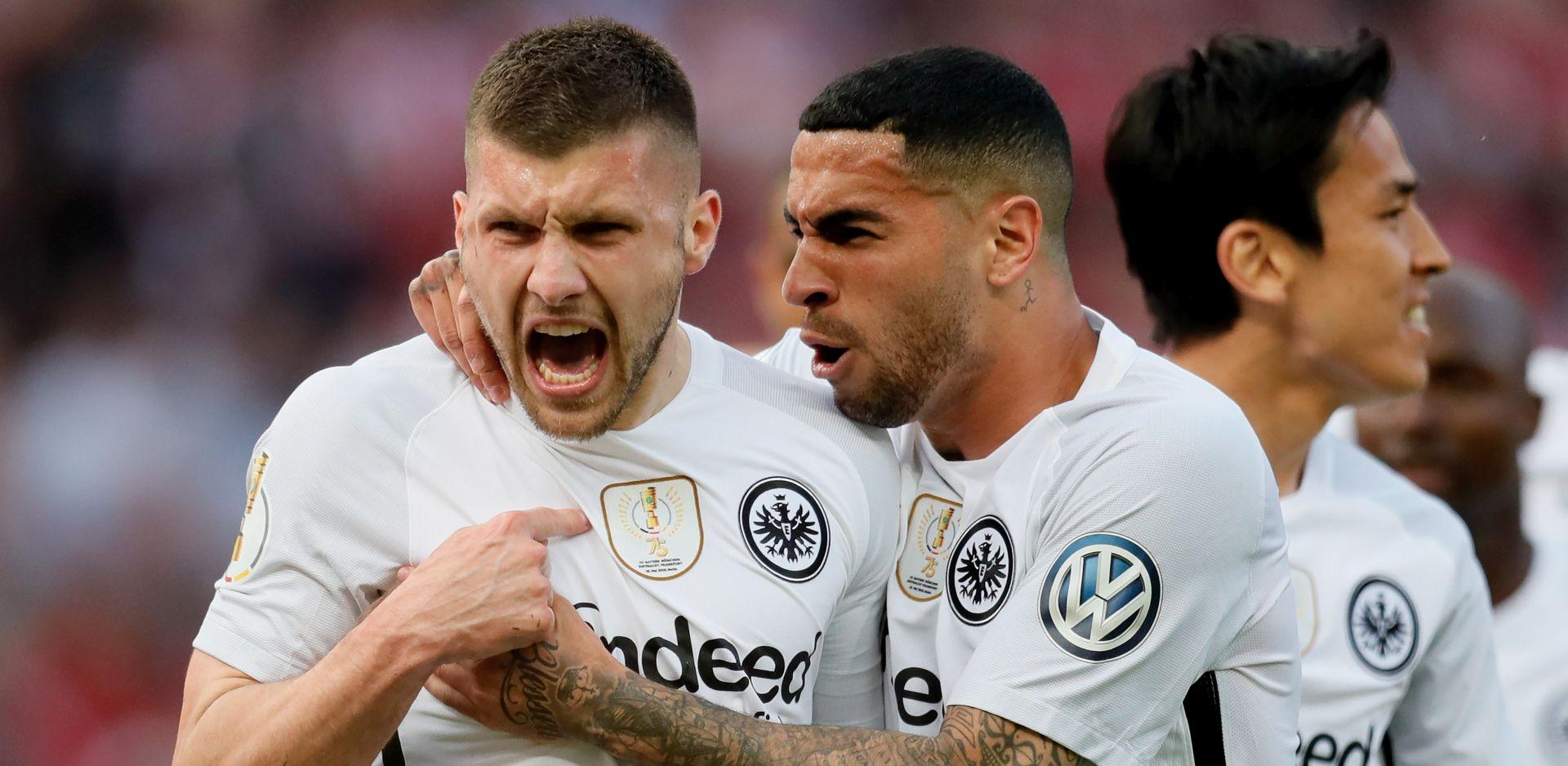 TROFEJ ZA KRAJ Kovačev Eintracht osvojio Kup, Rebić dvostruki strijelac