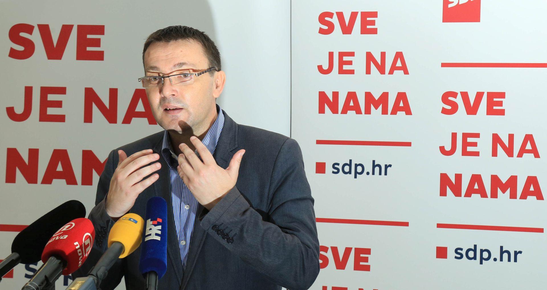 'Svakom objavom novih mailova pada jedna crta Plenkovićeve obrane'