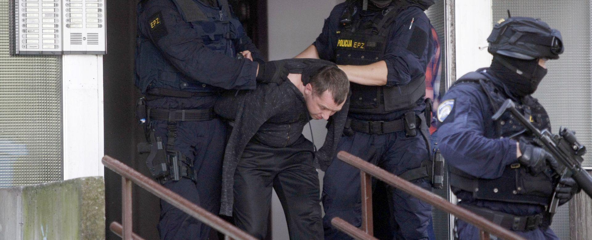 Muškarac koji je pijan pucao po Utrinama u pritvoru