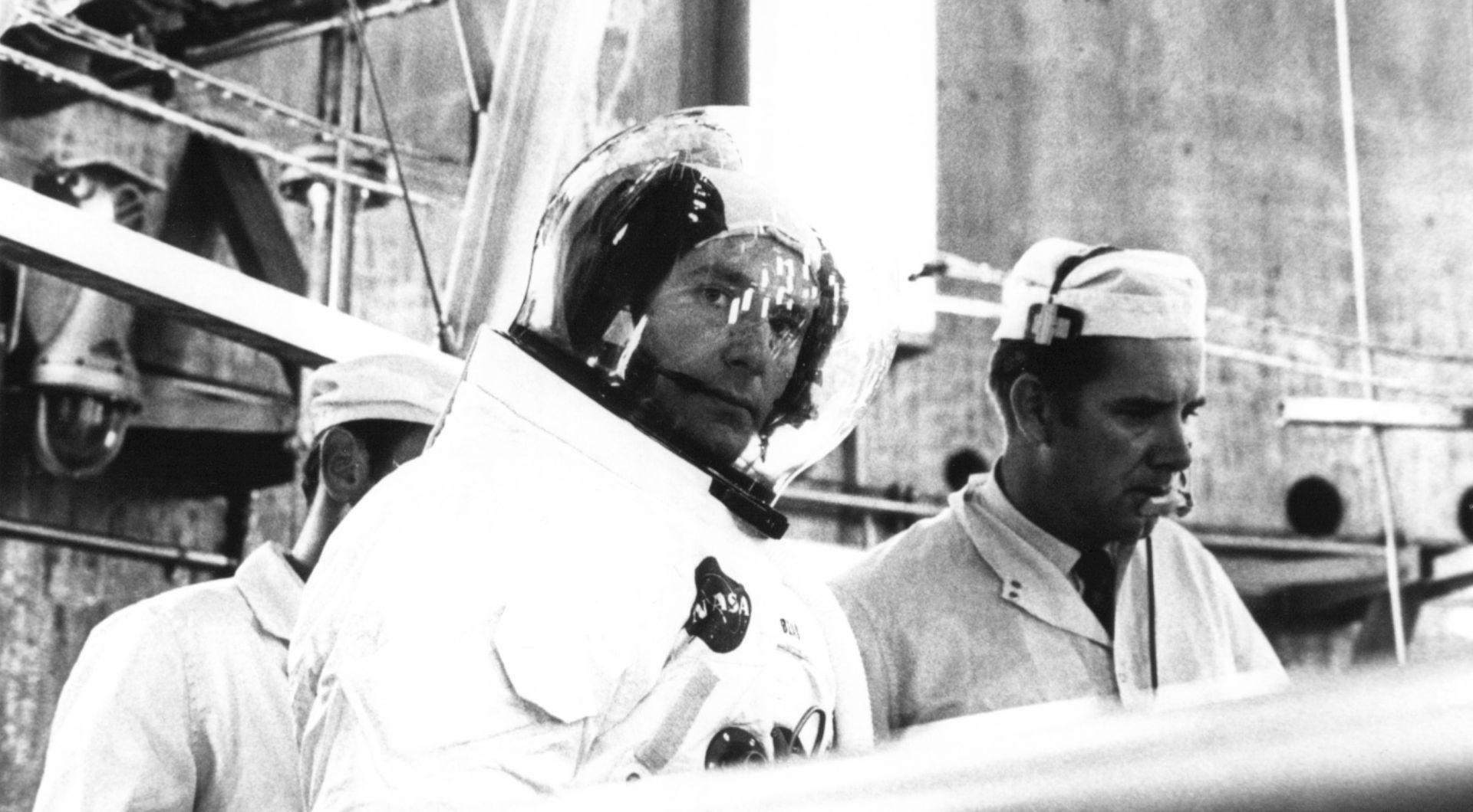 Umro Alan Bean, astronaut koji je hodao Mjesecom i postao slikar