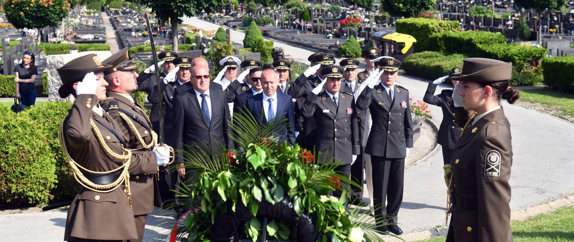27. obljetnica Oružanih snaga RH: 'HV jamac mira i sigurnosti'