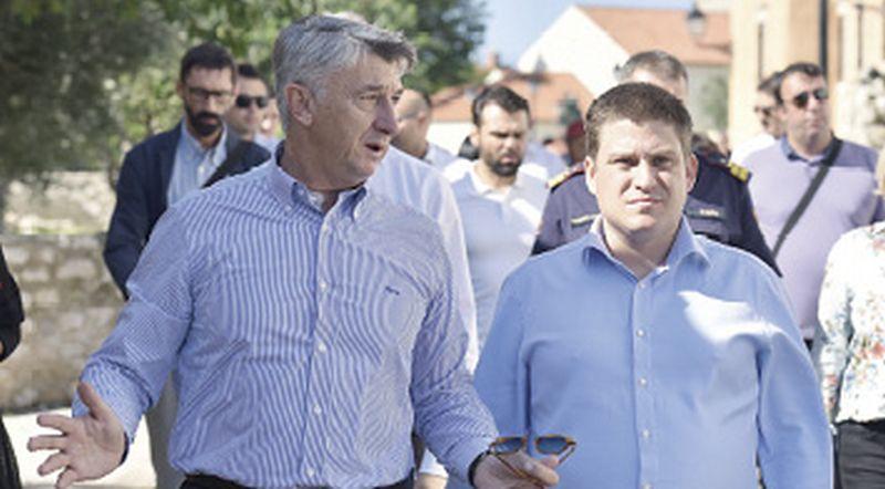 Butković zasad neće poništiti ugovor o koncesiji za luku Gaženicu