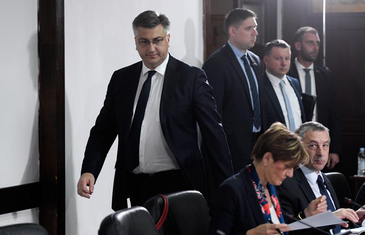 """PLENKOVIĆ """"Vlada će učiniti sve da se realiziraju današnji zaključci i potpisani projekti"""""""