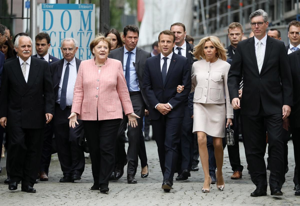 Merkel, Macron i Porošenko pozivaju na poštivanje primirja