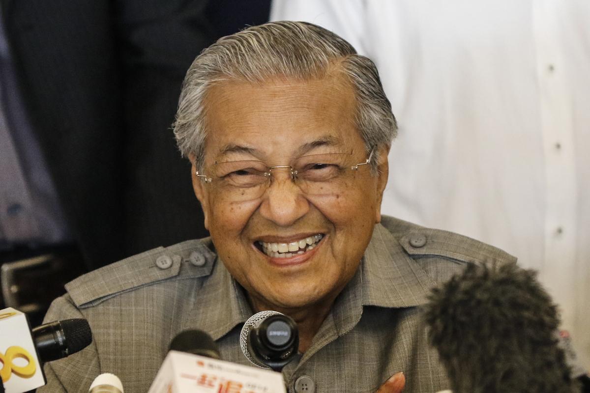 Mahathir prisegnuo za malezijskog premijera