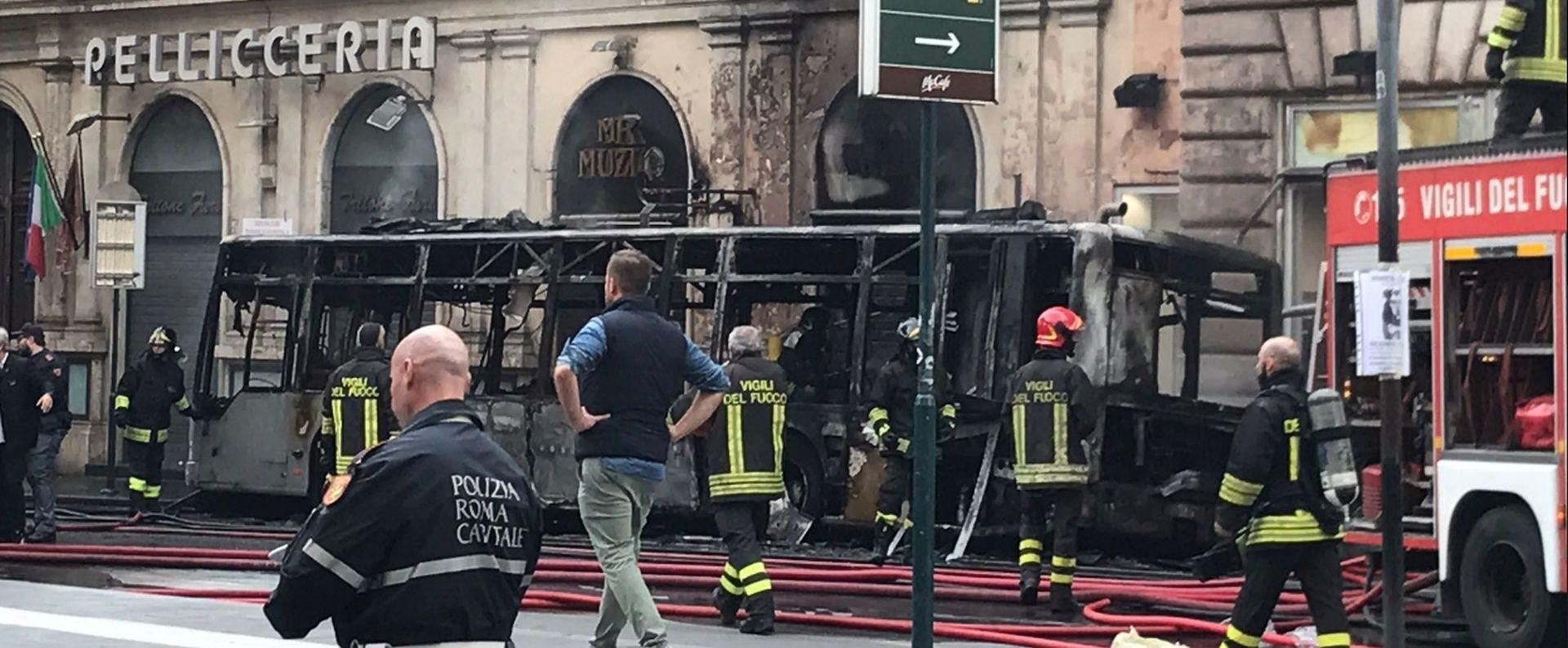 U centru Rima eksplodirao autobus