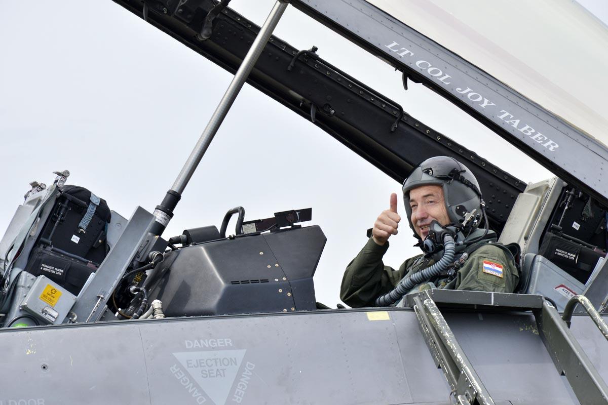 Krstičević se vinuo u nebo s F-16