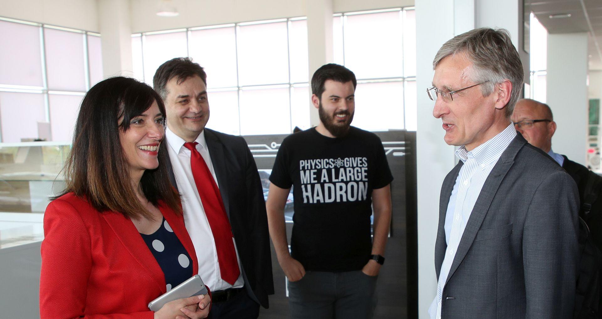 """DIVJAK: """"Hrvatska 2019. ući će u CERN"""""""