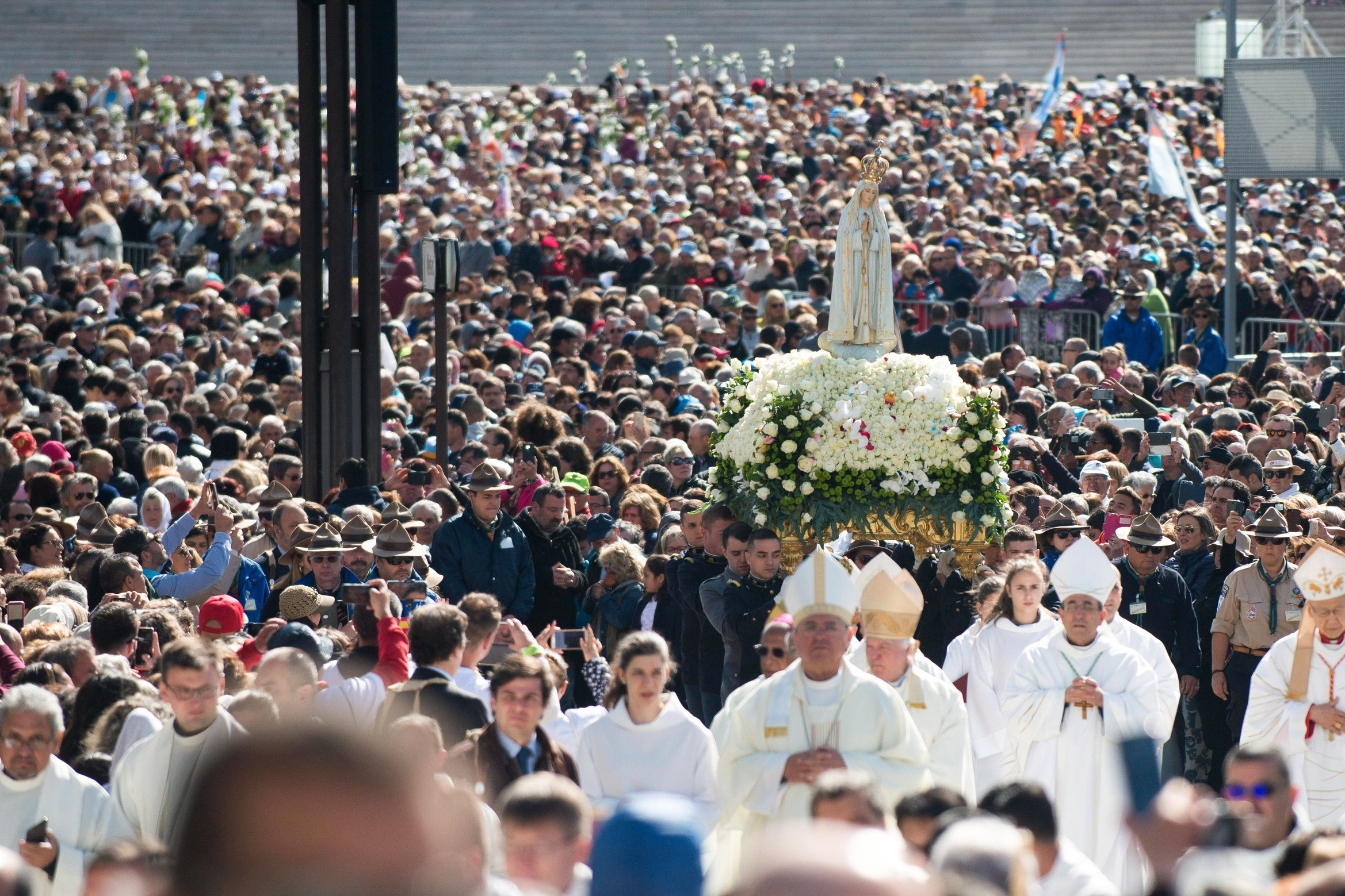 300 tisuća vjernika moli u Fatimi