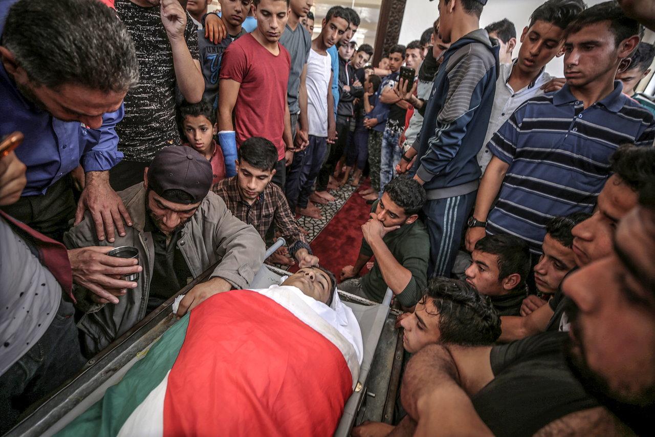 Stanovnici Gaze pokapaju mrtve nakon najkrvavijeg dana na granici s Izraelom