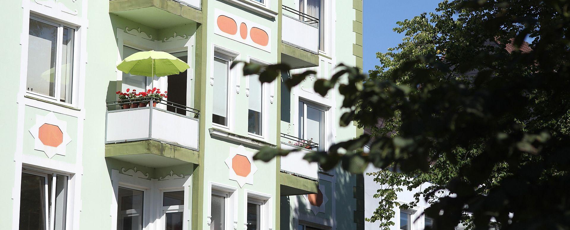 Kazna za sunčanje na balkonu bez odjeće iznosi i do 750 kuna