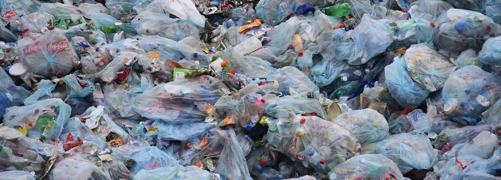 Komisija predlaže zabranu jednokratnih plastičnih proizvoda