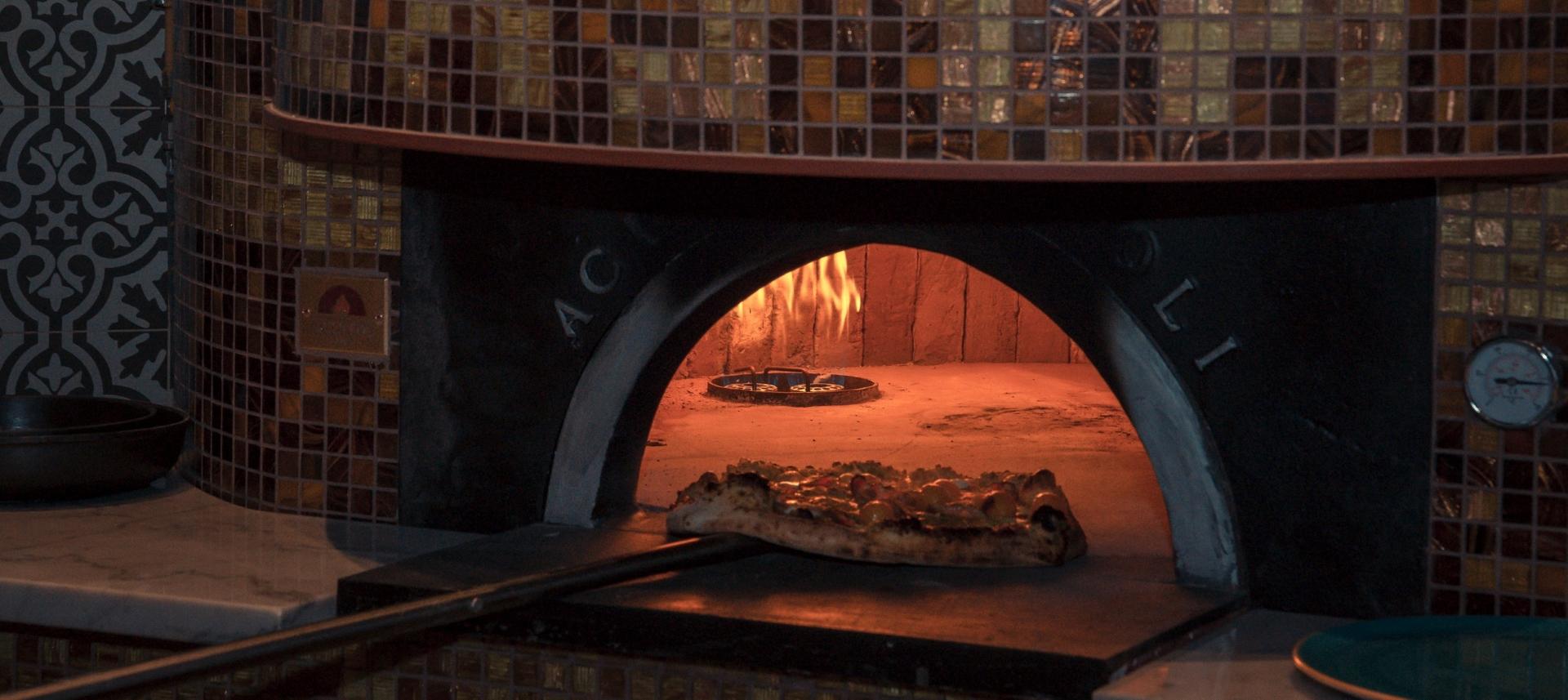 BASTA GOURMET BAR Poznati kušali pravu napuljsku pizzu na atraktivnoj splitskoj adresi