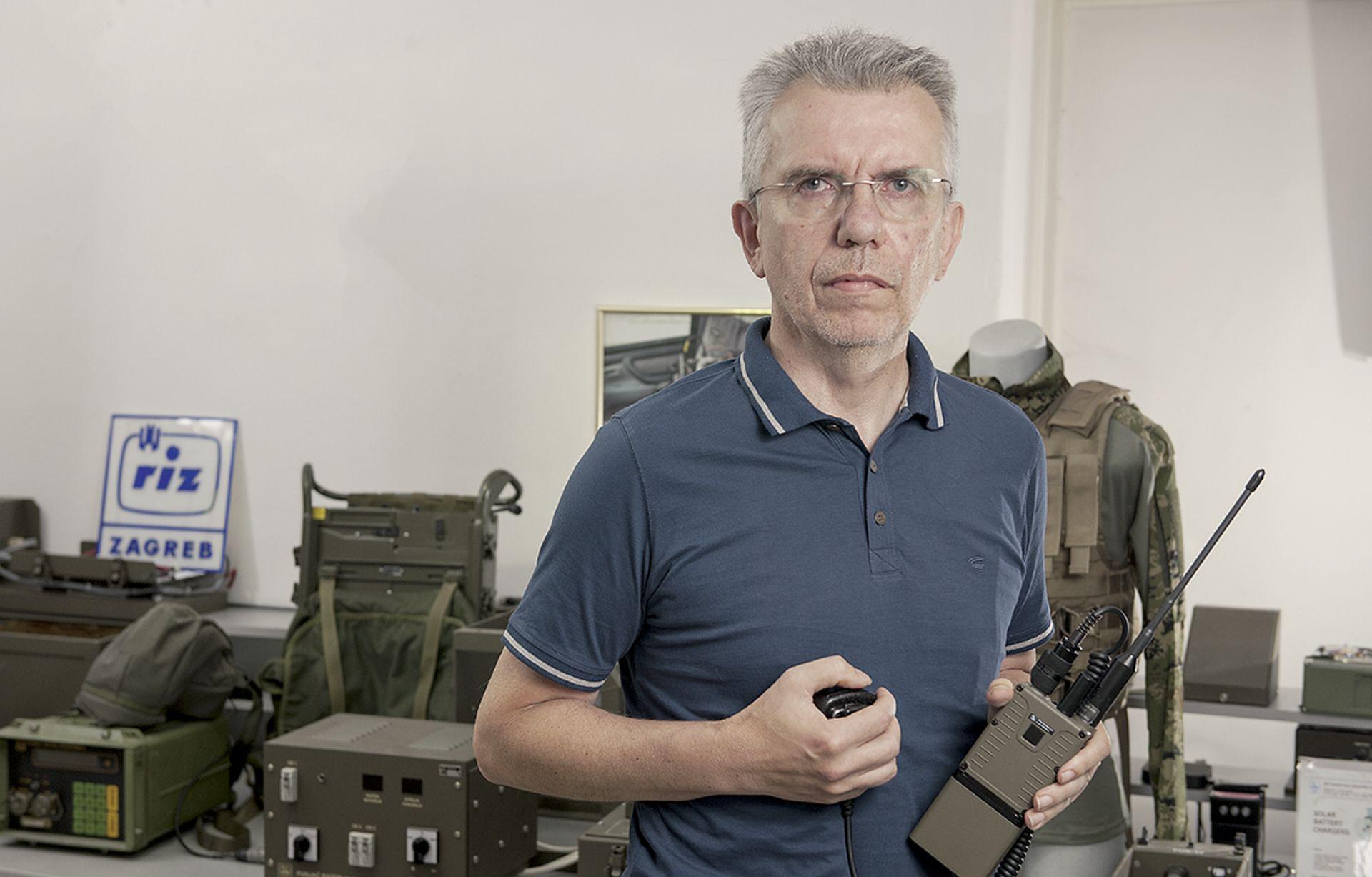 SMILJANIĆ 'Naš radio za vojnike ima veliki potencijal na svjetskom vojnom tržištu'