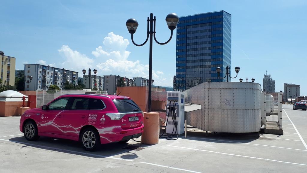 Grad Rijeka dobio prvu brzu e-punionicu za električna vozila