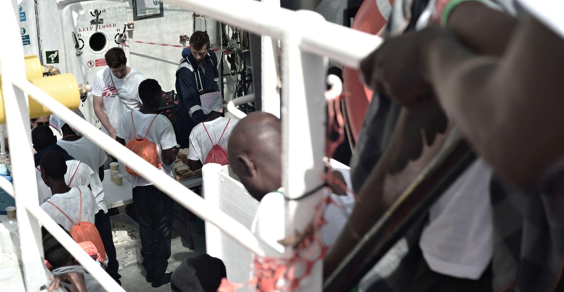 ITALIJA NE ODSTUPA 'Migrantski brod ne može pristati u našu luku'