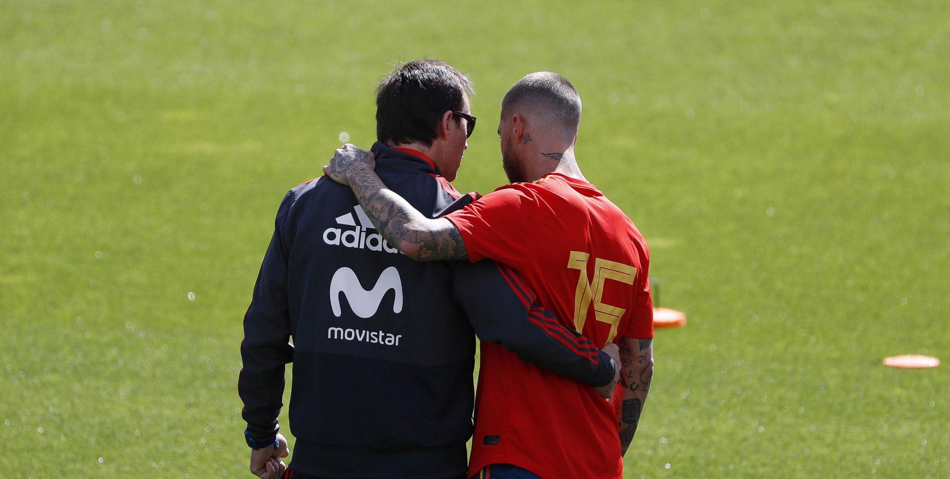 DVA DANA PRIJE PRVE UTAKMICE  Španjolska smijenila izbornika zbog Reala