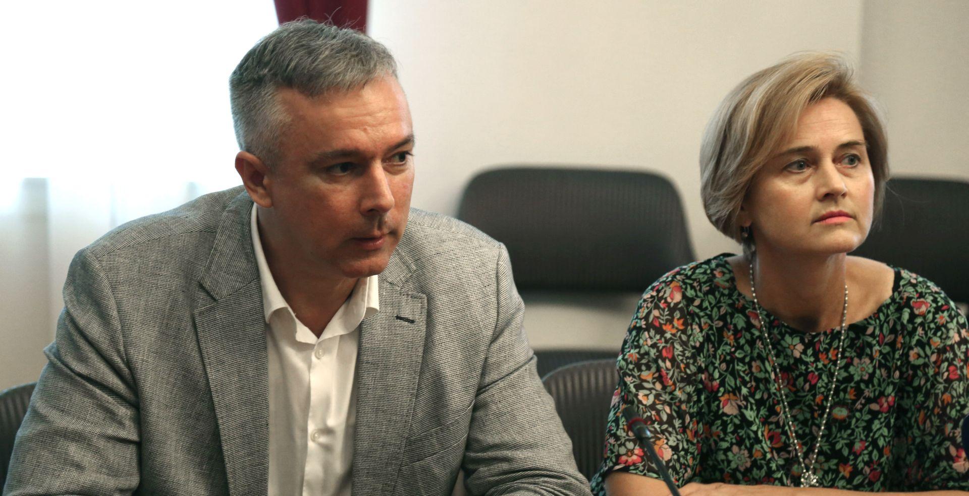 'Umjesto simboličnog smanjenja PDV-a treba smanjiti poreze na plaće'