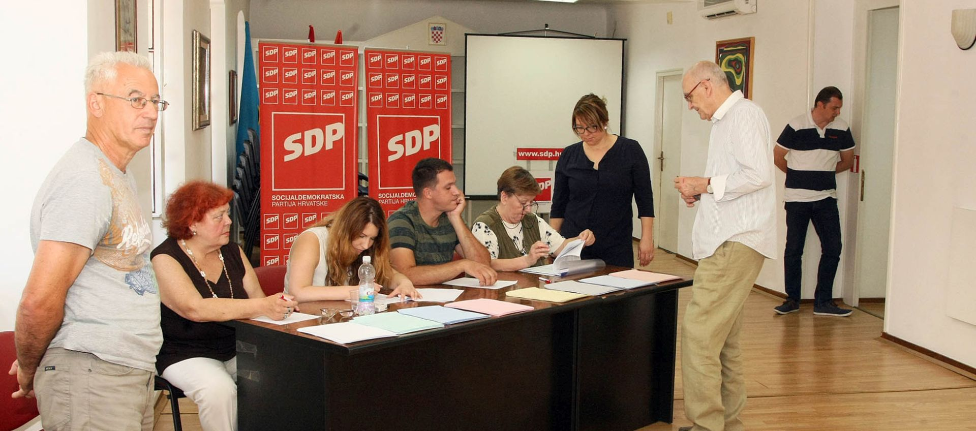 LOKALNI IZBORI U SDP-U Bernardićevi pobornici i oponenti za sada izjednačeni