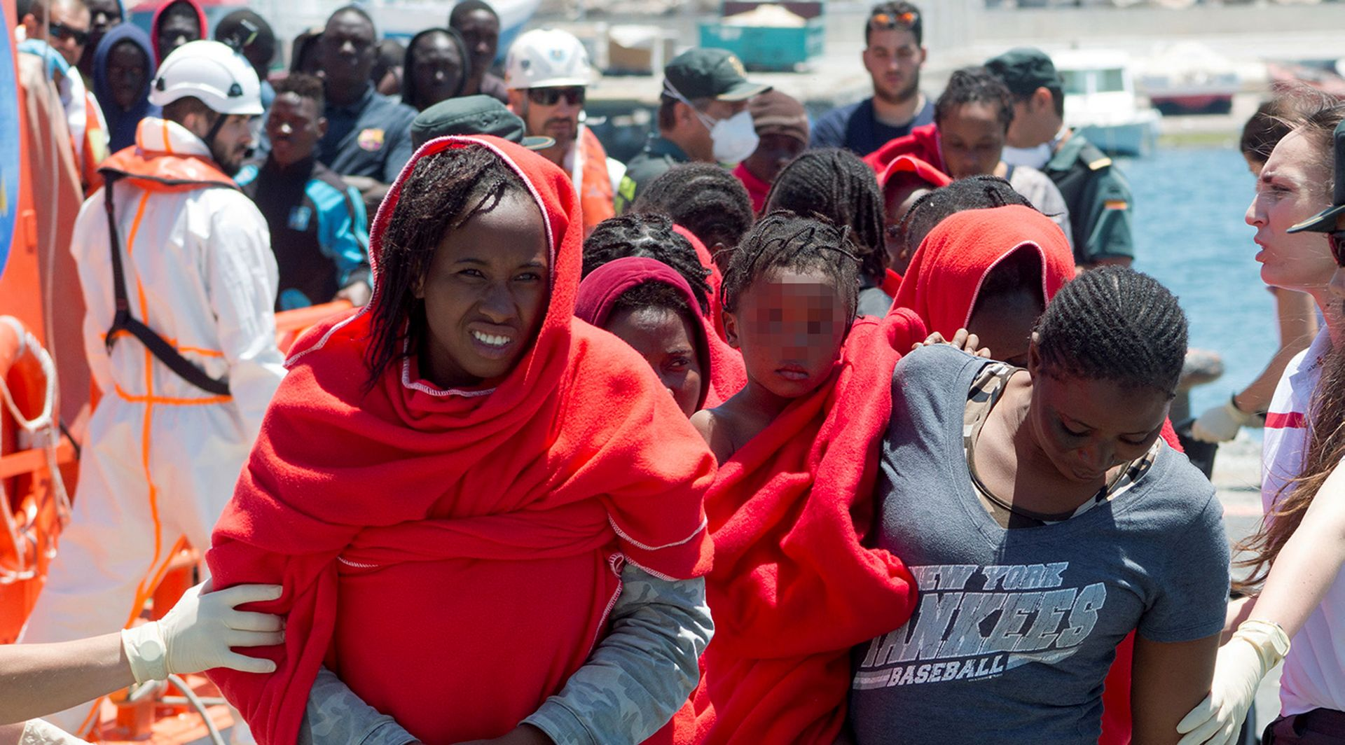 "Tunis će primiti 40 migranata ""zapelih"" na brodu u tuniškoj luci"