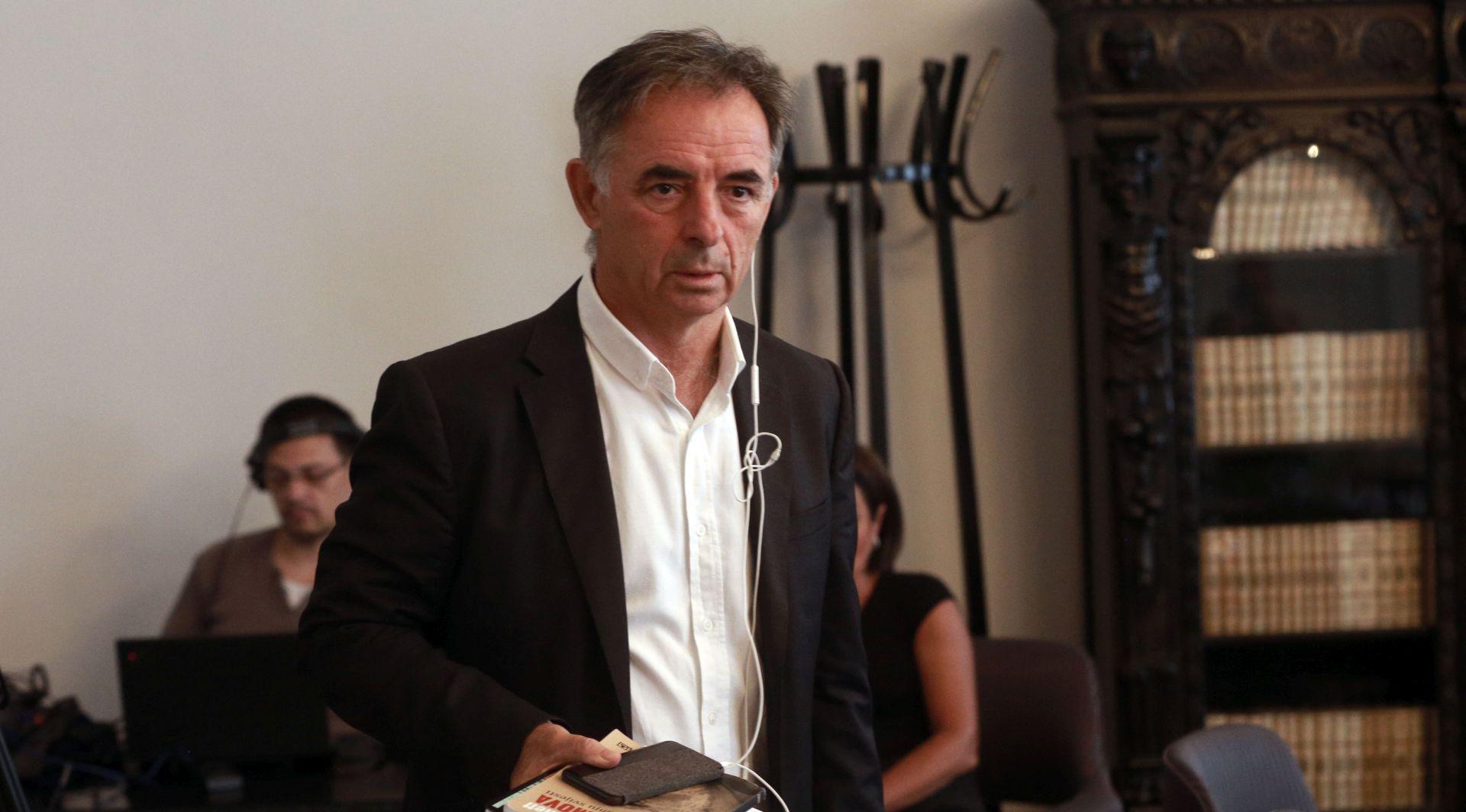 """PUPOVAC """"Veličaju Luburića, negiraju Jasenovac"""""""