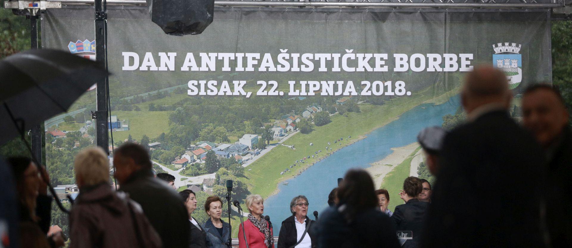 Okupljeni u šumi Brezovici izviždali Bandića i Bošnjakovića