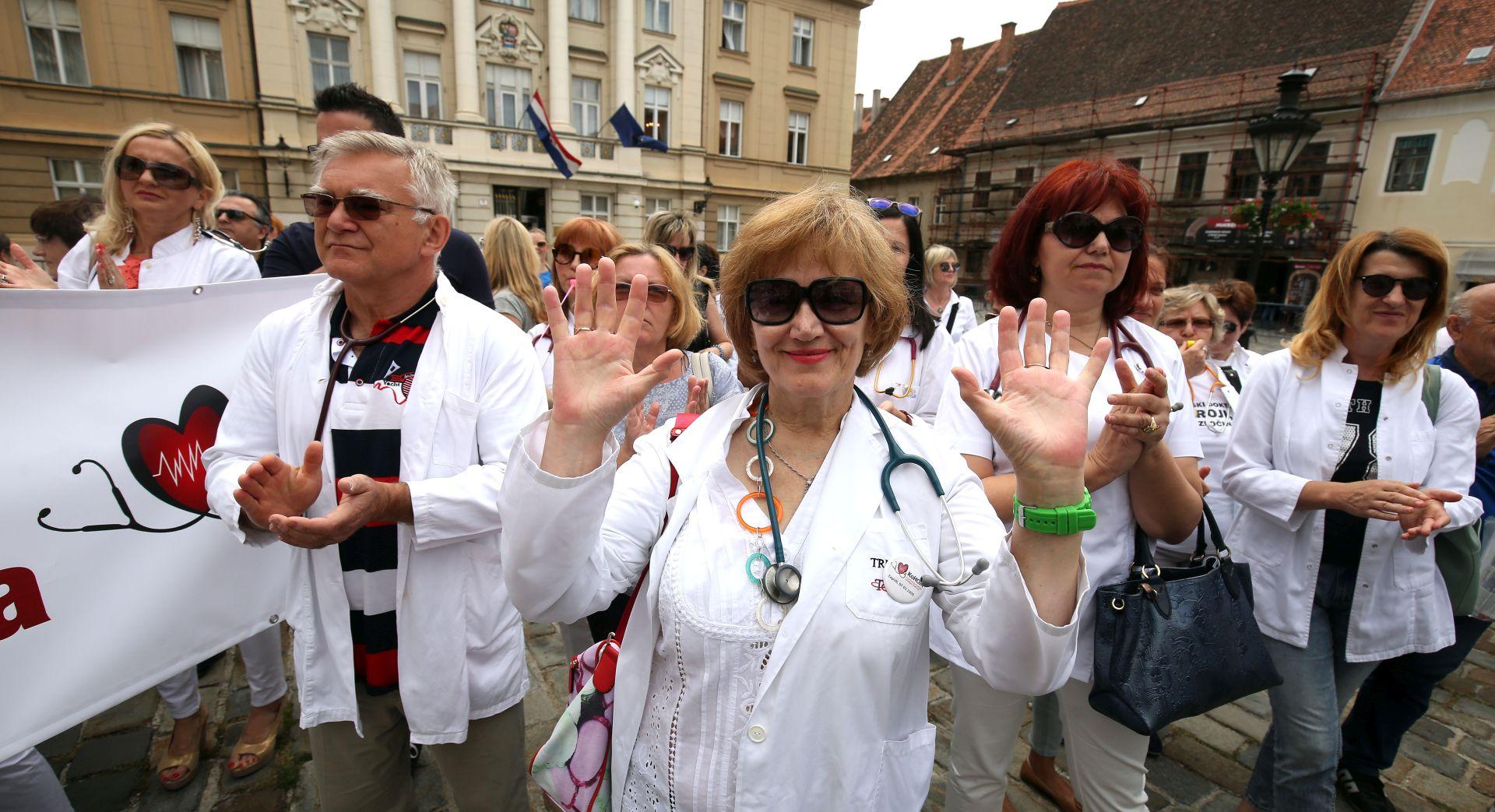 Liječnici prosvjedovali na Markovom trgu, primio ih Kujundžić
