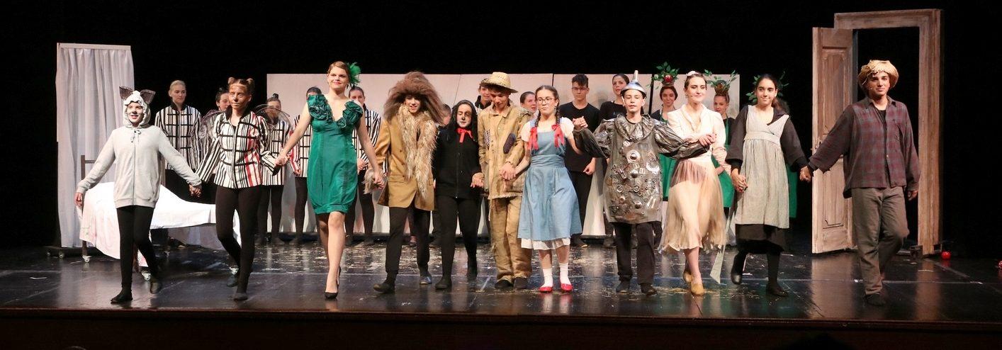 ČAROBNJAK IZ OZA Riječko kazalište mladih 'Kamov' oduševilo publiku