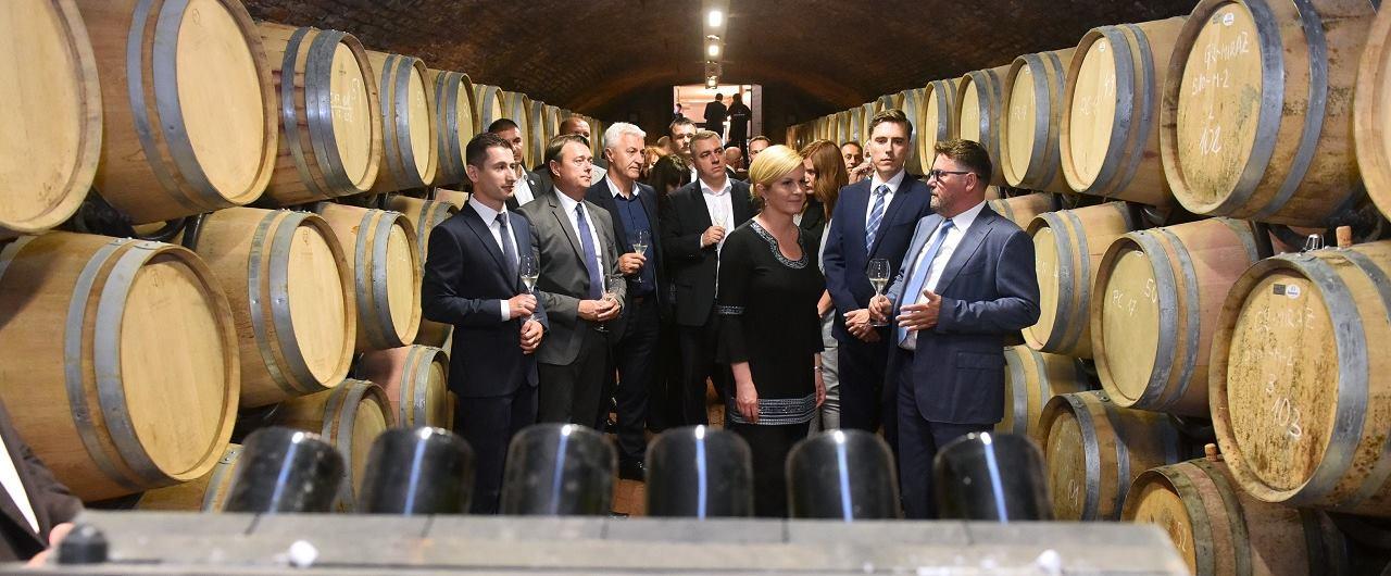 Hrvatska predsjednica Kolinda Grabar-Kitarović posjetila podrum Feravina